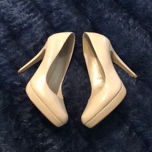 Aldo shoes in ivory color